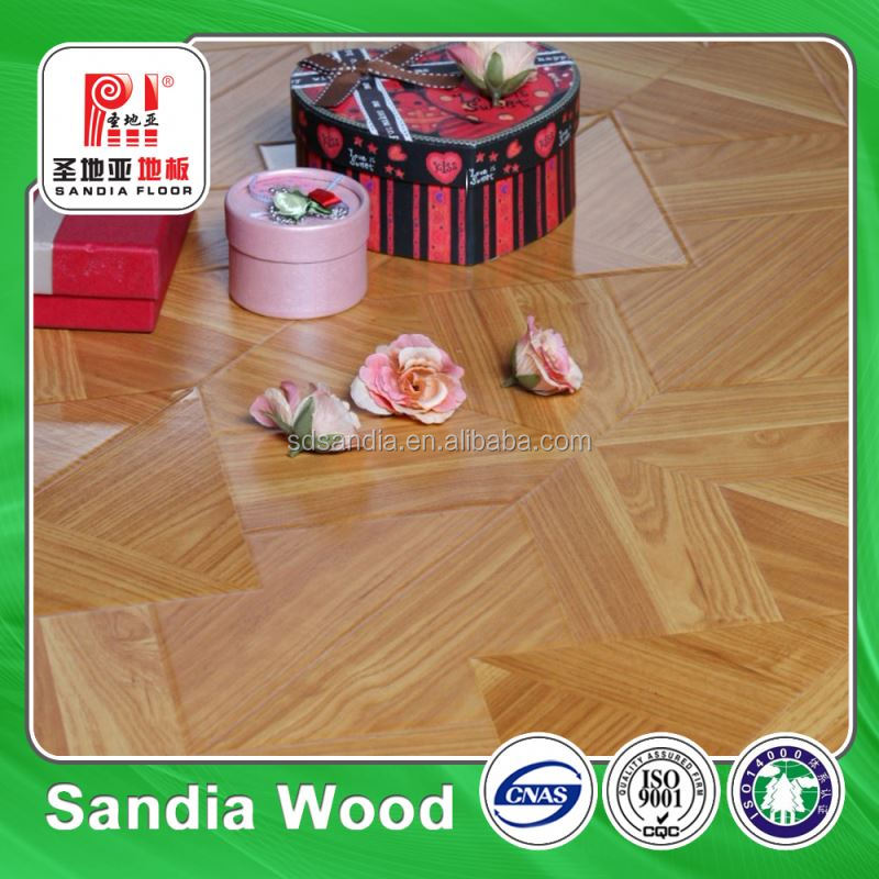 Multilayer HDF Core Luxury Wooden Engineered Flooring