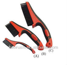 black wire brush plastic handle