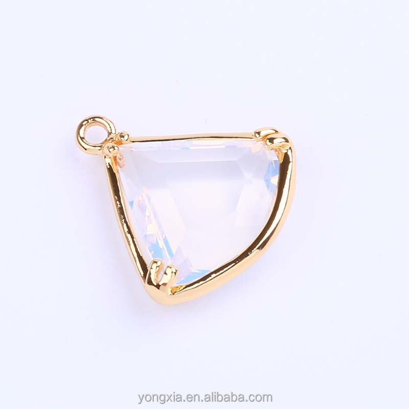 Factory Direct Price Fashion Women's Jewelry Accessories Triangle Shape Glass Crystal