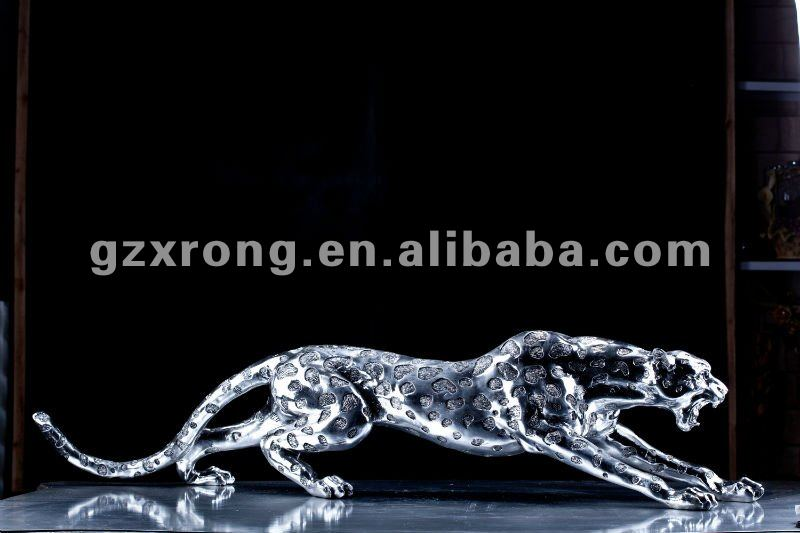 LN -851 Xinrong Arts wholesale plated silver polyresin animal leopard statue for home decor