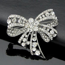 Custom crystal brooches bowknot shaped hanging rhinestone brooch wholesale