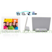7 electronic photo frame with base,tft screen,high resolution 800*480,ultra-thin shell and vide+music+photo support