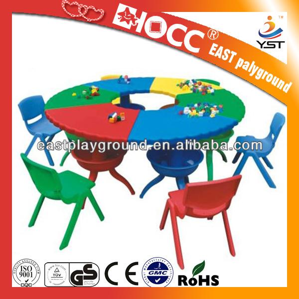 Bureau et chaise enfants bureau de l 39 cole de dessin anim - Bureau et chaise enfant ...