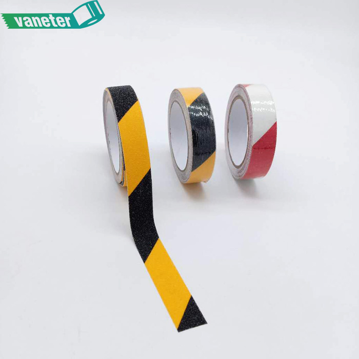 China cheap price anti slip tape from reliable <strong>manufacturer</strong> for trailers