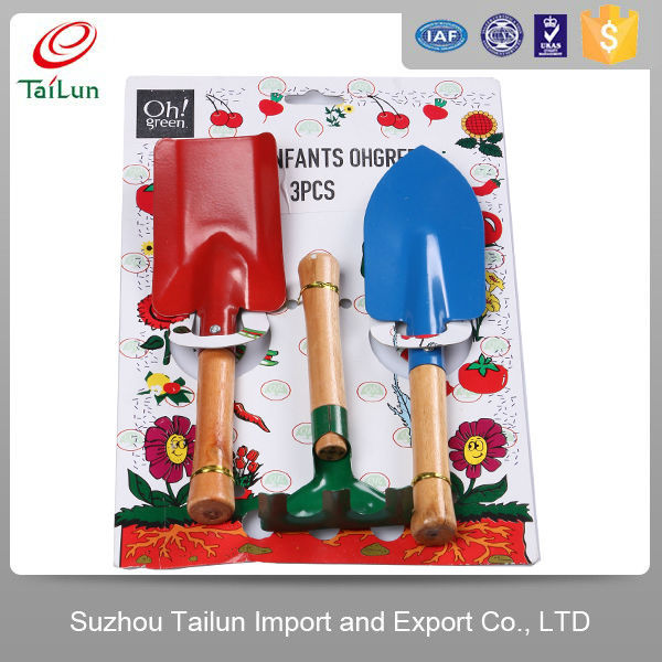 wooden handle metal material all types of gardening tools names shovel, cultivator, rake