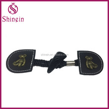 High quality PU leather horn toggles buttons with bear accessary for children coat