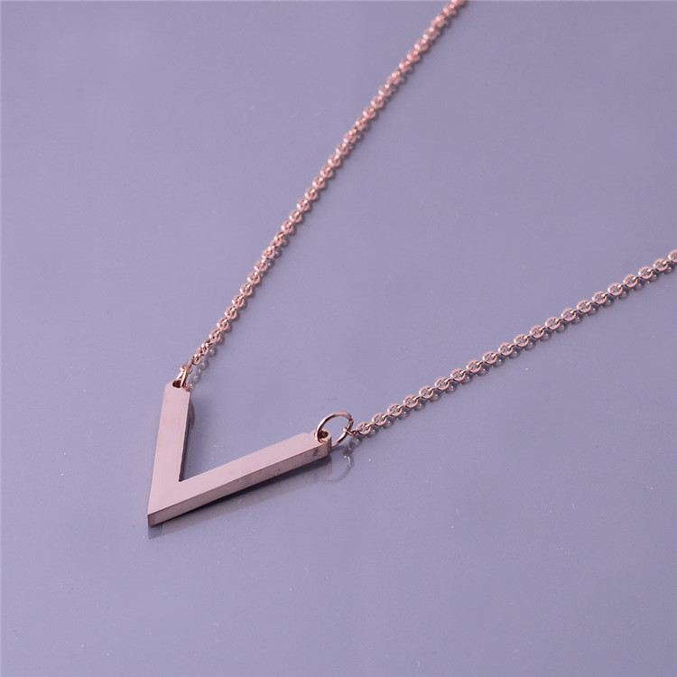 Fashion English Letter V Alphabet Word Steel Pendant Necklace
