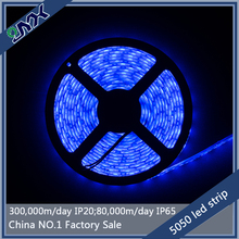 High Quality 300leds 14.4w/m battery powered led strip light 5050 SMD blue led ribbons