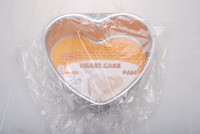 Sweet Heart Shaped Metal Baking Pan with Removeable Bottom