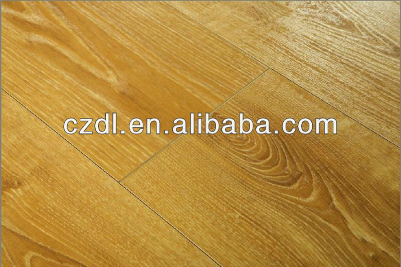 Class 31 HDF Real Wood Texture Laminate Floor