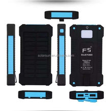 Free Sample China 18650 Battery Solar Power Bank 30000mAh External Mobile Battery Supply