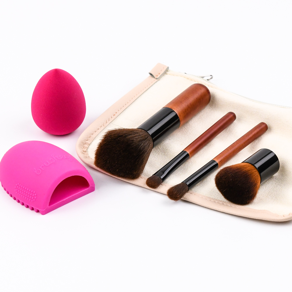 Makeup Sponge Brush Cleaner Bamboo Brown Cosmetic Brush With Pocket