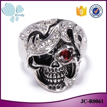 2016 trending products JC-R0061 personalized 316l stainless steel silver color ruby eye diamond skull ring