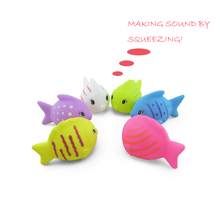 EN71 squeezing rubber fish water inflatable baby bath toy