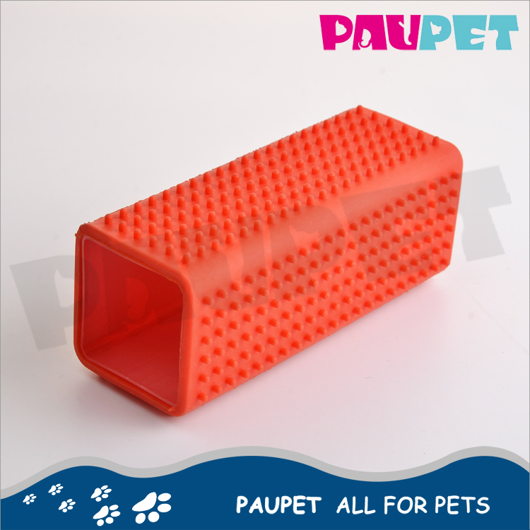 Latest style fashion design plastic handle grooming pet brush silicone