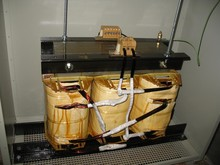 three to single phase transformer