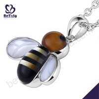 wholesale Low moq for teens funny beauty silver bijoux bee pendant
