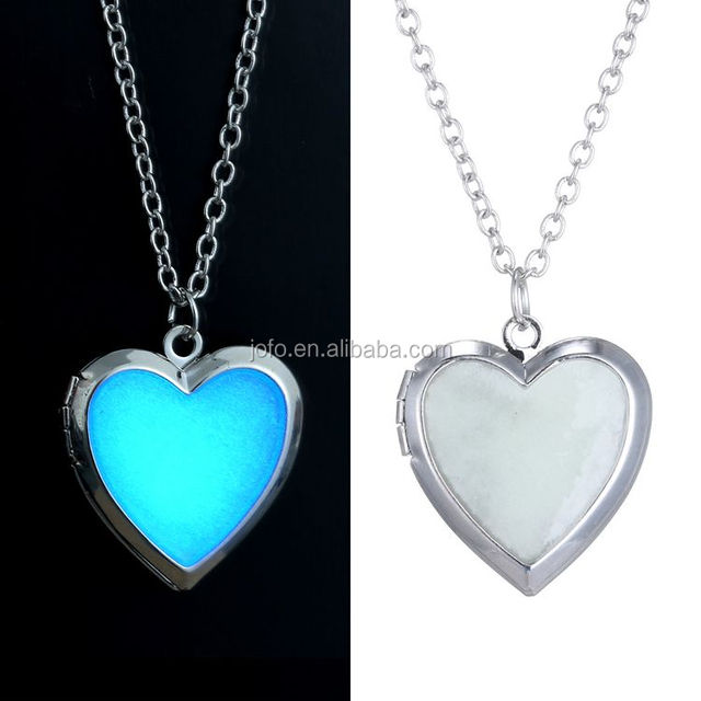 Necklaces Jewelry Type and Women's Gender Blue Heart Necklace Glow In The Dark Necklace