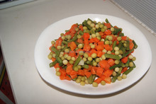 Supply 425g canned vegetable in brine