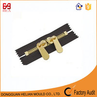 China zipper manufacturer 2 way zipper shiny gold metal zips for handbags