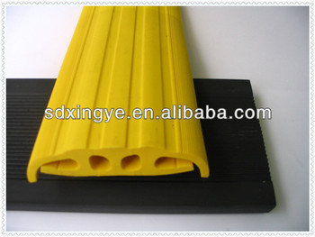 high quality road speed rubber hump for parking