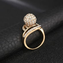 Wholesale Shine Ball Crystal Rhinestone Twisted Band Gold Plated Rings For Elegant Women