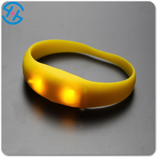 Colorful led motion activated light up silicone bracelet with factory price
