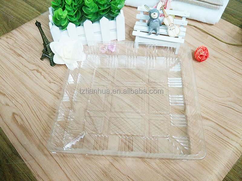 Disposable BOPS clear square plastic pizza, cake, pie inner tray