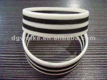 2012 black-white zebra stripe flexibility silicone bracelets/wristbands