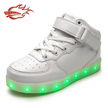 2017 new sport style white night safety casual led light up shoes