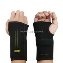 china supplier new hot sell black gaming pad E-sports wristbands gloves