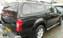 2010 Nissan Navara DOUBLE CAB PICK UP TEKNA 2.5 DCI 188 4DR AUTOMATIC 4X4 2.5L DIESEL - FOB UK PRICE US$20,450