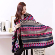 The new shawls Upscale female autumn/winter cloak shawl Extension thickening warm geometry with hood cape hand made crochet shaw