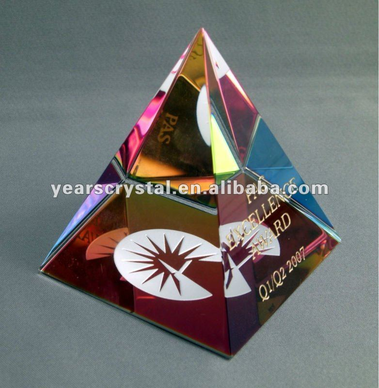 pure color engraved crystal glass pyramid for giving away gift (R-0814)