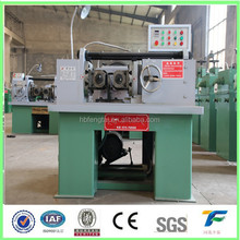 Hydraulic thread rolling machine for screw making