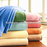 2014 Hot Sales 100% Polyester Warm Soft Cozy Lightweight China Factory Micro Fabric Polar Fleece Throw Anti Static Blanket