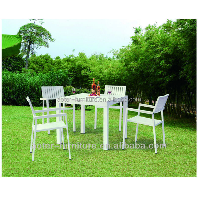 Luxury outdoor furniture resin wood table and chairs for Luxury garden furniture