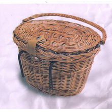 China Wholesale Removable Black Wicker Front Bicycle Basket With Folding Handle