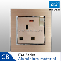 Good Price PC Material 13A Power Socket Switched With Neon