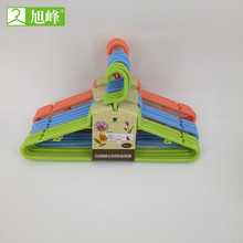 1052 xufeng hanger market using thin hanger with U noches flat plastic hangers with shoulder pads