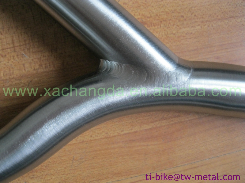 Titanium handle bar for cruiser, bicycles customized titanium road bike handle bars extremely light titanium bicycle bars China