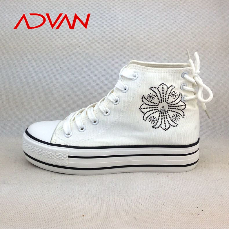 Hot sale fashion high platform Canvas female footwear with bead decoration