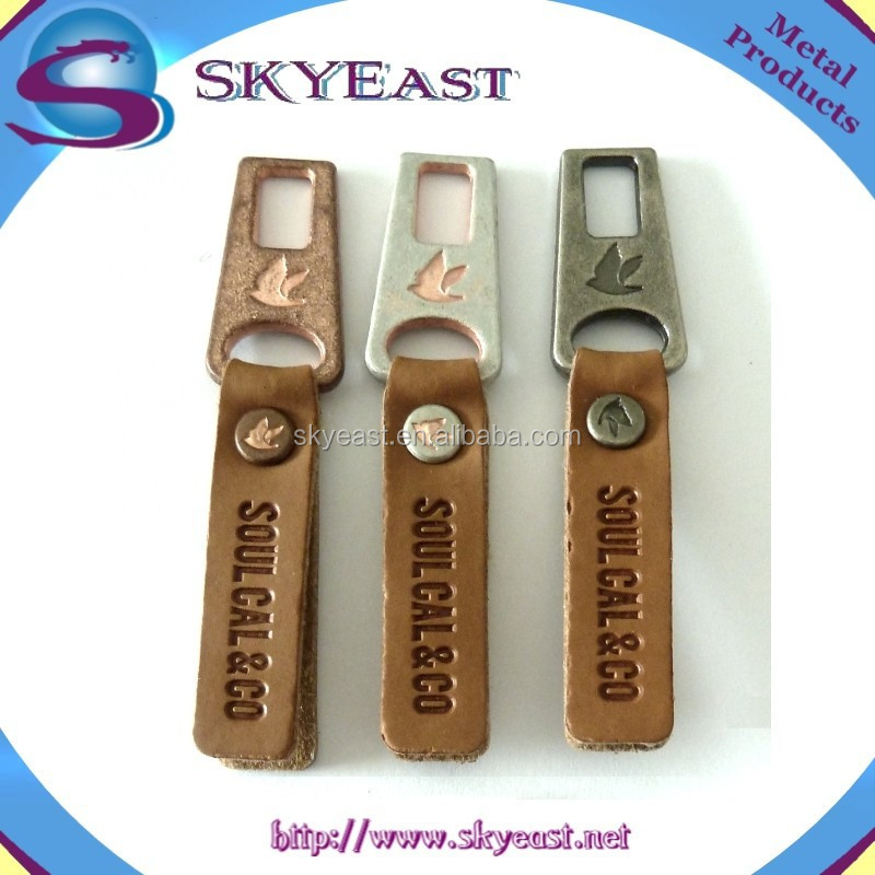 Custom Design Engraved Logo PU Leather with Metal Zipper Puller