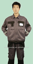 HI-VISIBLE MEN'S COTTON WORK JACKET WITH STRONG POCKETS