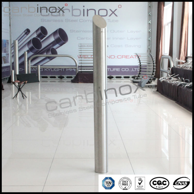 Carbinox stainless steel bollard pull with circular base plate