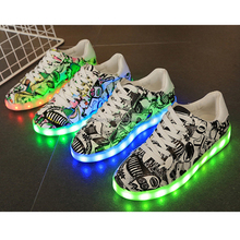 2017 New Light Baby Shoes LED Shoes Women Casual lighted shoes For Children Led Women lighting Shoes