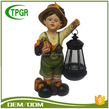 Wide Varieties Garden Solar Light Resin Children Figures For Harvest decoration