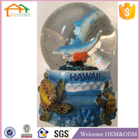 Factory Custom made best home decoration snow globe gift polyresin dolphin snow globe