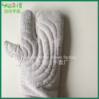 Household Long heat-resistant oven three fingers mittens/safety gloves