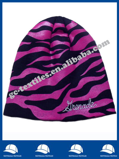 black beanie full flame imprint